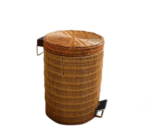 Для мусора плетенная